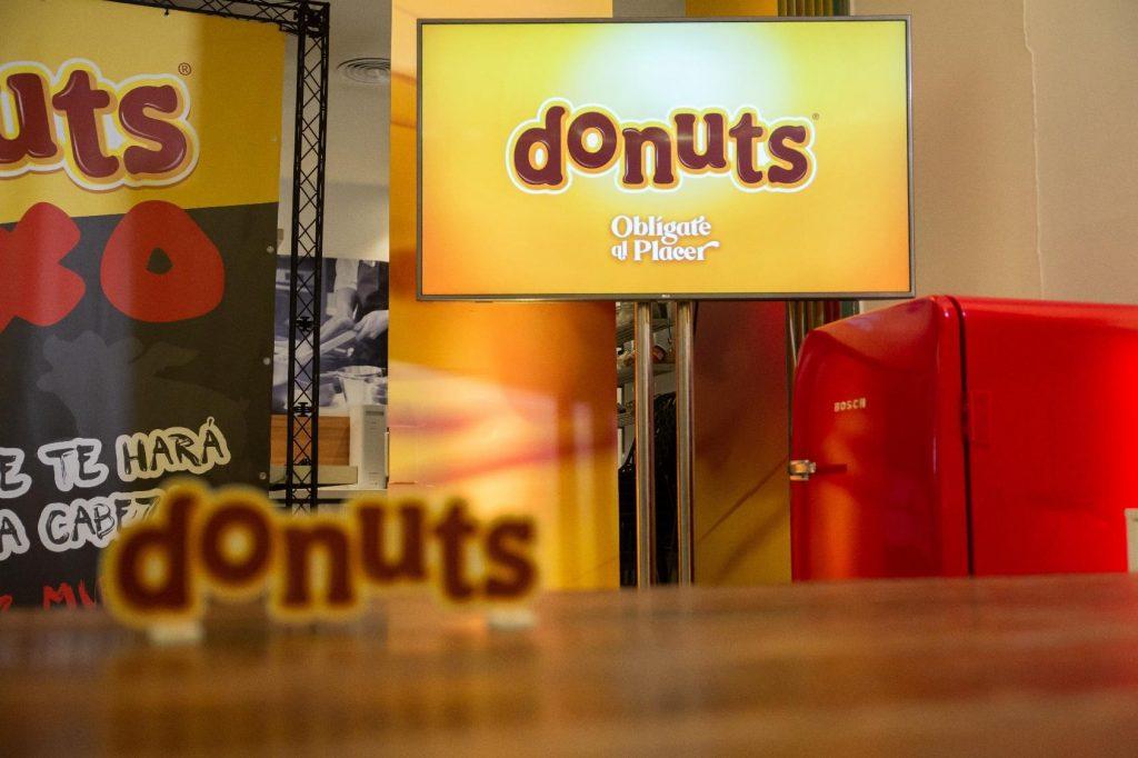 Presentación Donuts evento corporativo Dabiz Muñoz